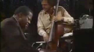 Oscar Peterson Trio - You Look Good To Me