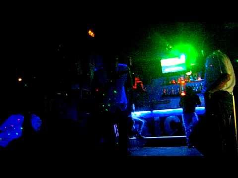 Mc. Hitman - Karaoke - ( Pedro Abrunhosa - Momento ) - Ice Bar Porto