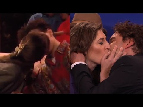 Thumbnail: 'Big Bang Theory' Stars Mayim Bialik and Johnny Galecki Recreate Their 'Blossom' Kiss