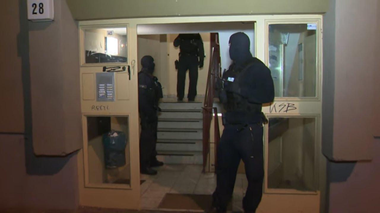 BERLIN: Polizei-Razzien bei arabischen Familienclans nach Geldtransporter-Überfall