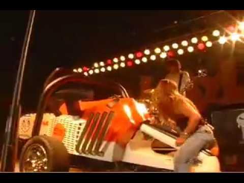 Jackyl at Sturgis with a Hemi powered Stihl chainsaw