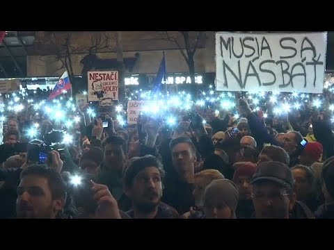 Tens of thousands demand snap elections in Slovakia
