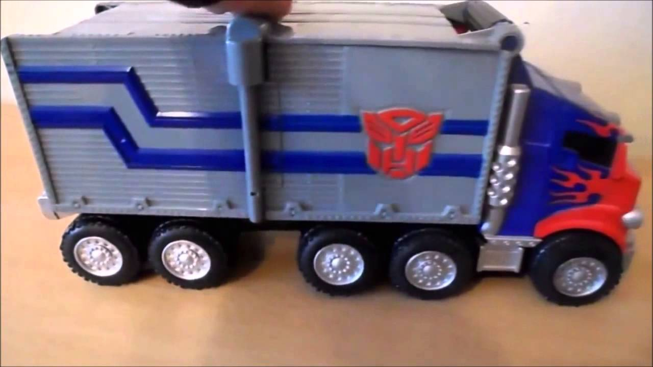 Transformers Optimus Prime Transforming Truck Into A ...