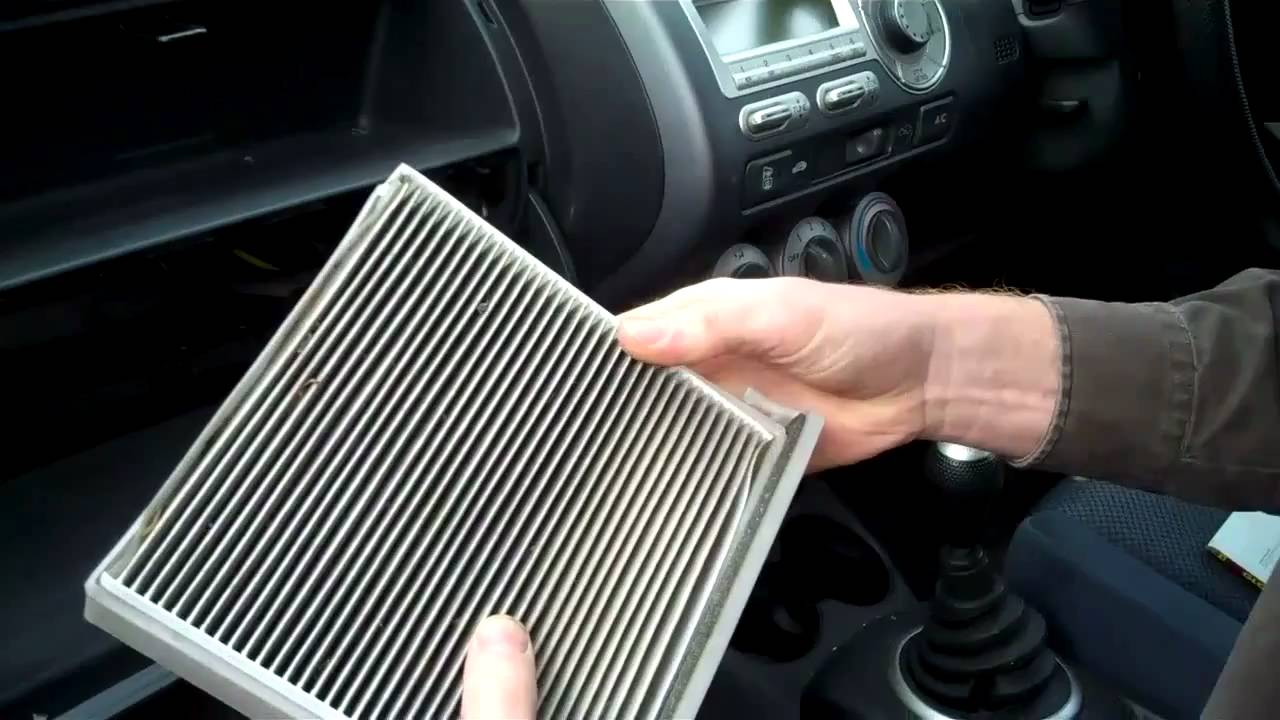 Lovely How To Change The Pollen Filter On A Honda Jazz   YouTube