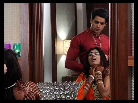 Main Na Bhoolungi: Sameer tries to kill Shikha