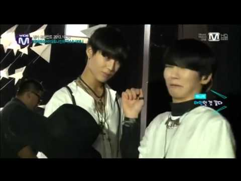 Key smelling Taemin's smelly hair (LOL SO FUNNY)