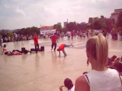 One Day In Paris - Public Dancing