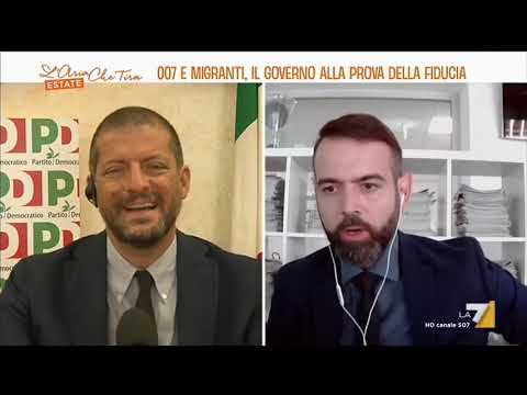 "Download Francesco Borgonovo contro Andrea Romano: ""Lei non sa leggere"", ""Lei e Sgarbi siete dei ..."