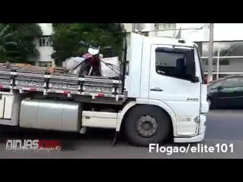 Caminhão na fixa
