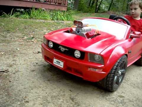 18v power wheels mustang with blower