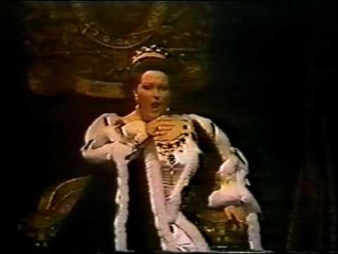 La Superba grants Elisabetta her Gorgeous Pianissimi
