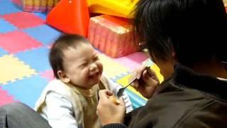 小寶吃雞蛋殼布丁
