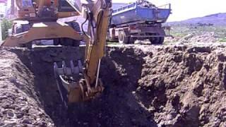 nivelación del terreno para la construcción de un salón de usos múltiples