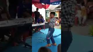Gambar cover Bocah Nyanyi Lagu Meriang Di Organ Tunggal Lincah Bangettt Joget Nya !!