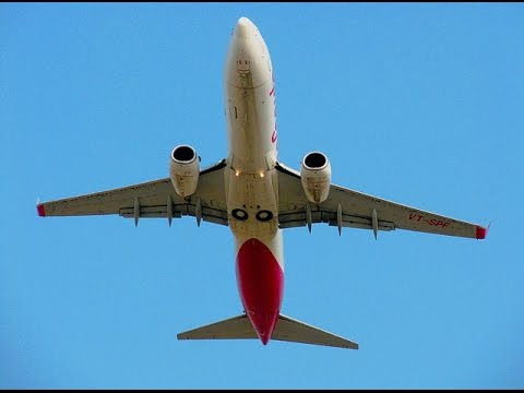 Spicejet Boeing 737-800W taking off from Surat Airport .