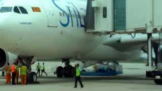 SRI LANKAN A-330 AIR BUS LANDING TO MATTALA INTERNATIONAL AIRPORT - SRI LANKA