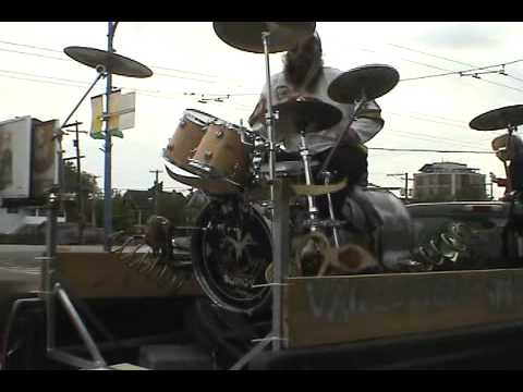 Matt Cruz - Check out this guy playing a Boingy Boingy drum kit. Ya, it's a thing!