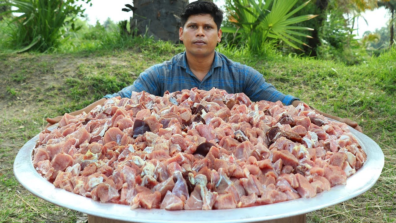 BEEF CURRY   Prepared For 100 People   Kerala Style Spicy Beef Curry Recipe   Donating to Orphans