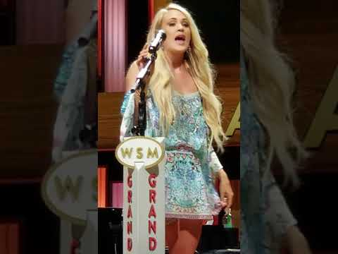 Carrie Underwood- Undo It- fan club party 2018