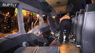 Видео с места столкновения микроавтобуса и внедорожника под Калининградом, где погибли семь человек