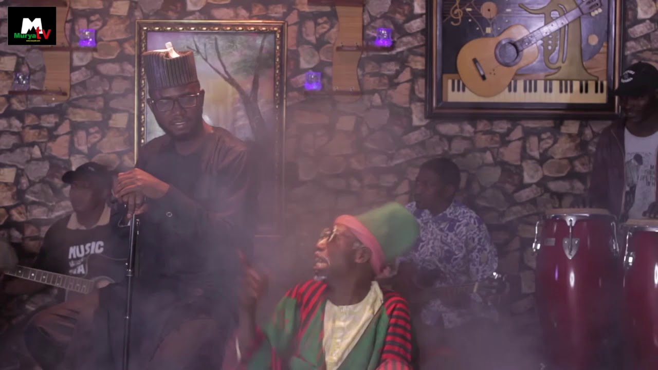 Download Baba ari ya fara waka