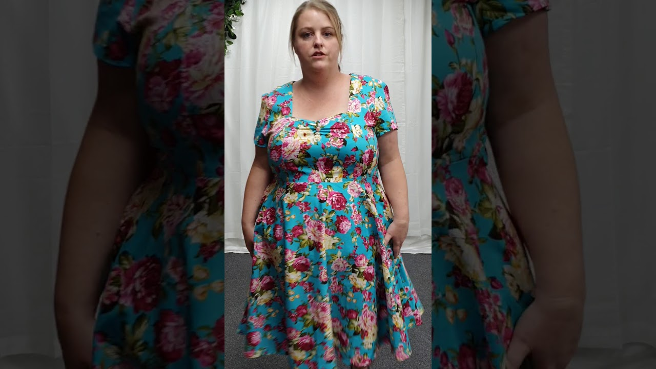 Plus Size Blue Floral Dress With Pockets
