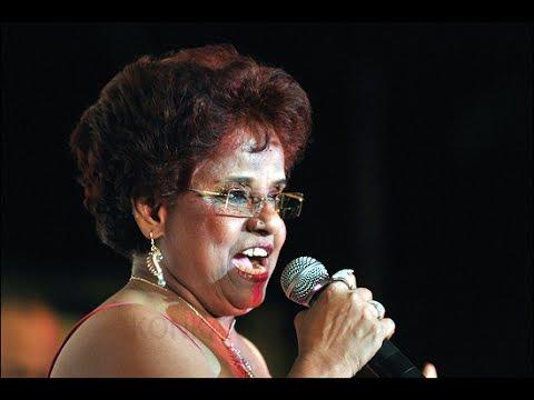 Aikat Mhozo Tavo - Lorna Cordeiro - Lyrics