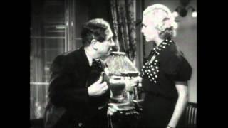 Der General starb im Morgengrauen (1936, Lewis Milestone) - Trailer
