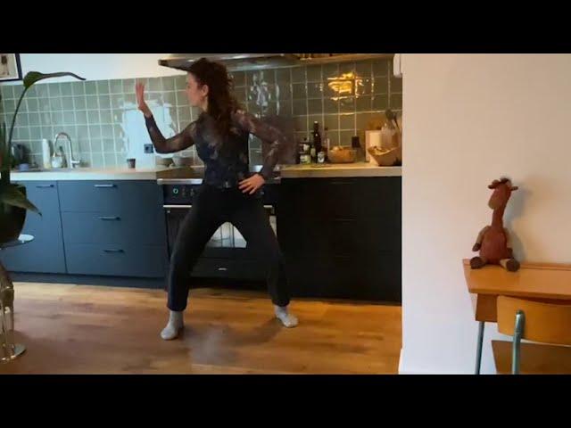 #DONSTHUIS: Poep Onder Mijn Schoen - dansvideo