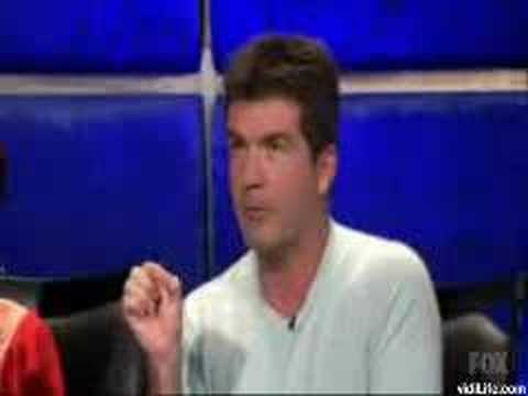 Simon Cowell comments on Carrie Underwood