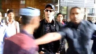 Shocking Video | Hrithik Roshans bodyguard misbehaves with Media