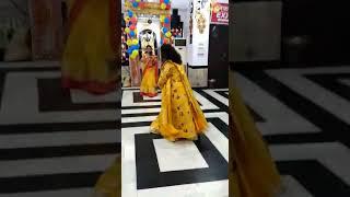 Dance on bhajan..meethi meethi mere saaware ki bansi baje..