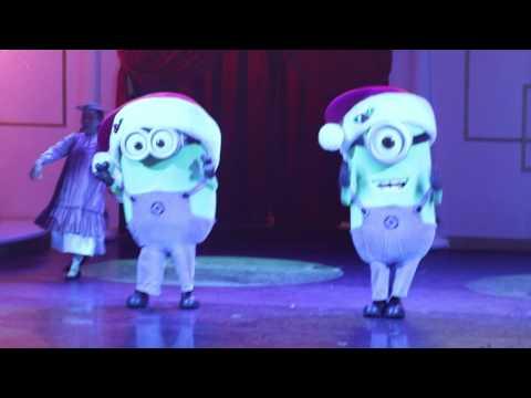 """161225 Universal Studios Singapore Live show """"Bah Humbug! A Christmas Spectacular"""""""
