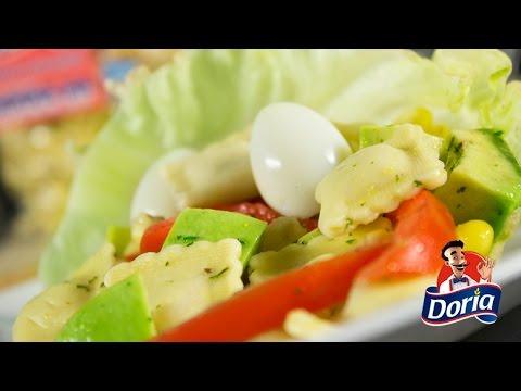 ensalada-de-ravioli-con-jamon-doria,-maiz-y-aguacate