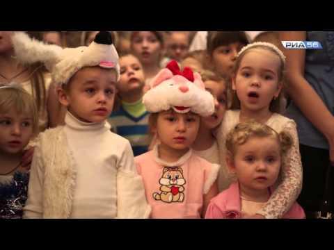 """Рождественская елка. Оренбург. Акция """"500 подарков"""""""
