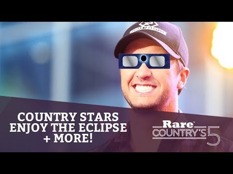 Country Stars Enjoy the Eclipse + More | Rare Country's 5