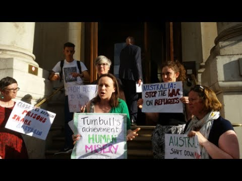 Demonstrators Decry 'Award' for Australian Prime Minister's Immigration Policies