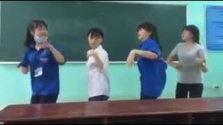 Bốn Nữ Cơ Trưởng Tương lai Nhảy Cực Dẻo