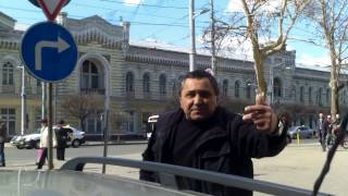 Mafia taxiurilor ilegale are protecţie foarte sus - Curaj.TV