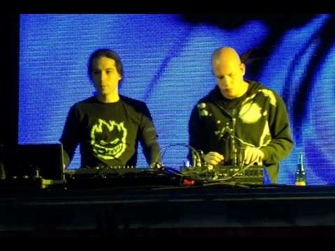 Infected Mushroom Vs Schpongle   Psy Live Mix 2002