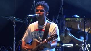 Baixar Natiruts - Sorri, Sou Rei [Ao Vivo - Teatro Popular de Niterói - 11/05/2013]