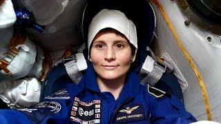 Samantha Cristoforetti Entra Interno Stazione Spaziale Orbitante