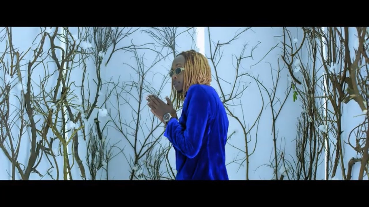 Feffe Bussi - Super lady official video