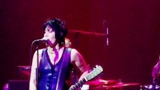 Joan Jett I Hate Myself For Loving You Tulsa,Ok 9-23-2017