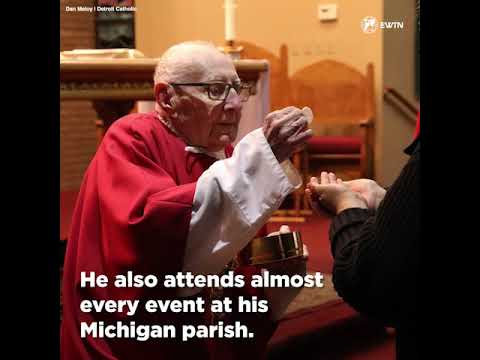 This 100 year old deacon still serves 8 Masses a week