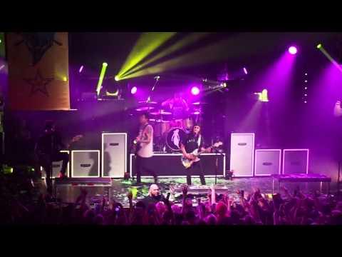 Pierce The Veil - Bulletproof Love (live 11/16/14)