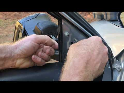 2006 Honda Accord driver side rearview mirror replacement. Very easy and fast!!!
