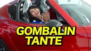 GODAIN TANTE CANTIK SAMBIL GOMBALIN DI DEALER MOBIL  LANGSUNG BAPER