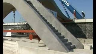 GPTV: Betonnen loopbruggen op zeewering geplaatst.mp4