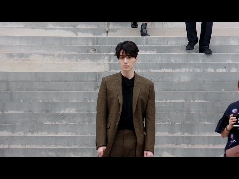 Lee Dong Wook 이동욱 – Givenchy Spring/Summer 2018 fashion show in Paris – October 1st